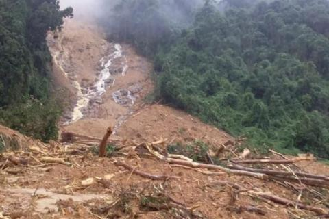 """Sạt lở """"san phẳng"""" một trạm bảo vệ rừng tại Quảng Bình"""