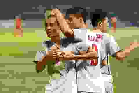 Những ngôi sao bóng đá Việt Nam chung tay ủng hộ miền Trung