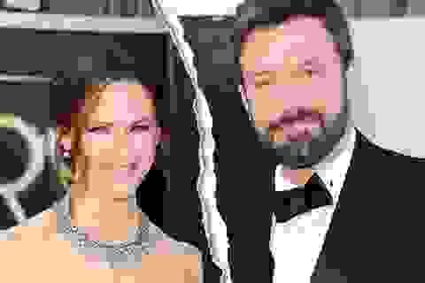 Jennifer Garner và Ben Affleck ly hôn là vì áp lực đến từ… thợ săn ảnh?