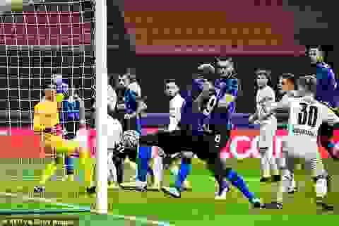 """Lukaku lập cú đúp, Inter Milan """"hút chết"""" trên sân nhà"""