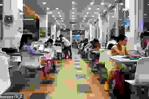 Tranh cãi trường Đại học ở Trung Quốc phạt sinh viên ngủ dậy muộn sau 8h