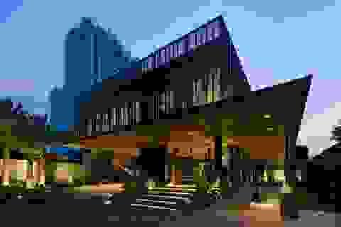 """Biệt thự hơn 1.000 m2 chứa cả bộ sưu tập siêu xe """"khủng"""" ở Sài Gòn"""