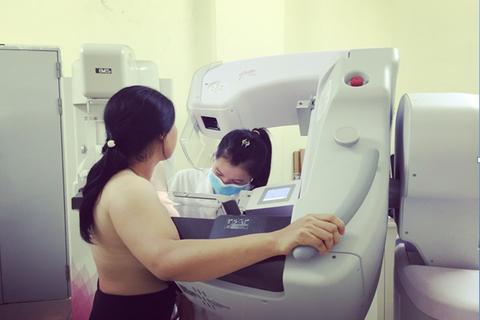 Vì sao chị em mắc ung thư vú nên tuân thủ việc điều trị?