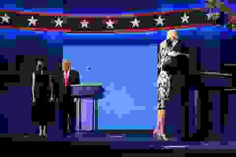 """Những khoảnh khắc ấn tượng trong """"hiệp đấu"""" cuối của Trump - Biden"""