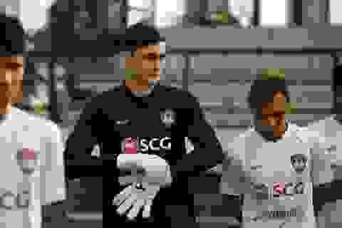 Đặng Văn Lâm nỗ lực ghi điểm với thầy mới ở Muangthong United