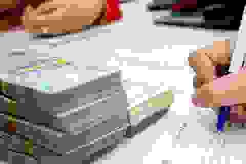 Nữ nhân viên ngân hàng giả chữ ký của khách chiếm đoạt hơn 4 tỷ đồng