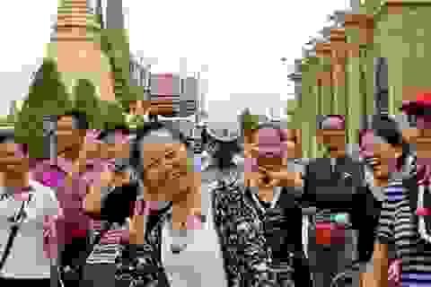"""Sau """"Tuần lễ Vàng"""", Trung Quốc siết lại quy định hạn chế du lịch"""