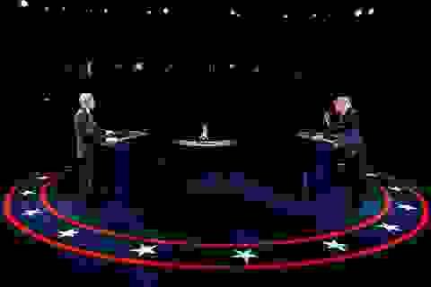 """Bầu cử Mỹ 2020: Hai ứng viên hạ giọng trong màn """"so găng"""" cuối cùng"""