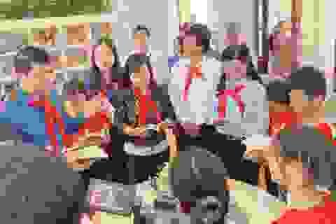 Cháu ngoan Bác Hồ về thăm đất Tổ, khánh thành thư viện tại Phú Thọ