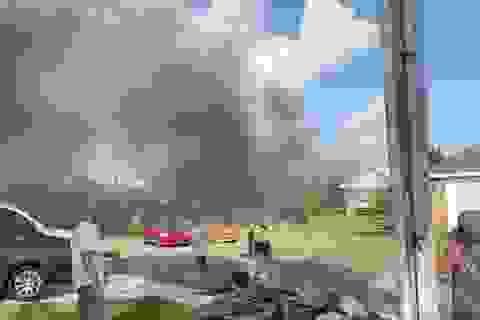 Máy bay quân sự Mỹ lao xuống khu dân cư, 2 người thiệt mạng