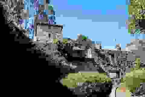 """Bên trong lâu đài """"ma ám"""" 150 tuổi có giá triệu USD"""
