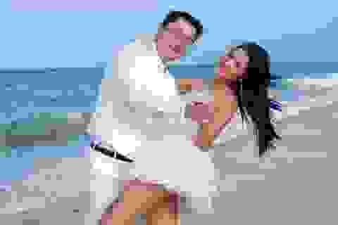 """10 năm hạnh phúc của """"Hoa hậu đẹp nhất Châu Á"""" Hương Giang"""