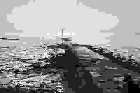 """""""Ớn lạnh"""" khi đi bộ trên con đường """"chết chóc"""" nguy hiểm bậc nhất ở Anh"""