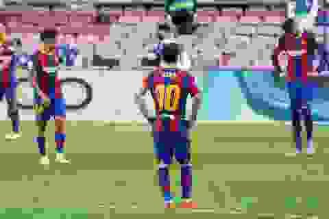 """Barcelona thất bại trước Real Madrid: Bị oan hay HLV Koeman quá """"non""""?"""