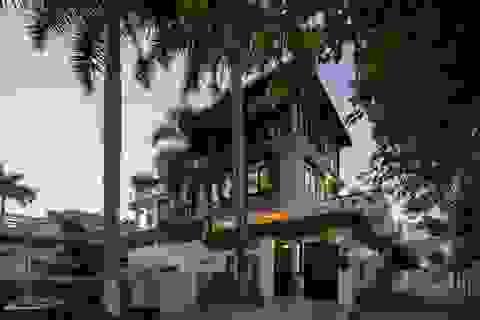 Biệt thự rộng 300m2 mang nét hoài cổ giữa Sài Gòn sầm uất của vợ chồng trẻ