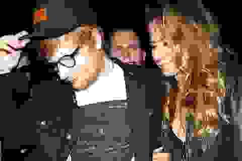 Ed Sheeran quyên góp 6 tỷ đồng cho ngôi trường giúp anh gặp được... vợ