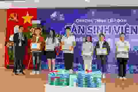 Khánh Hòa: Trao học bổng cho tân sinh viên vượt khó, học giỏi