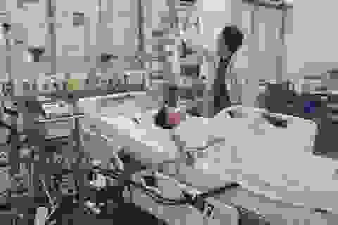 """Viêm cơ tim tối cấp, 2 trẻ thoát """"cửa tử"""" dù chết lâm sàng khi chuyển viện"""
