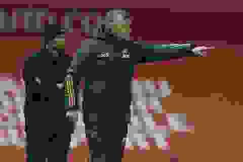 """Man Utd hòa Chelsea: Những chiếc ghế """"nóng bỏng tay""""!"""