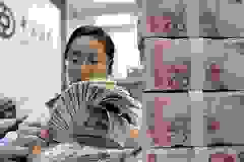 """Lí do gì khiến Trung Quốc bất ngờ """"xả hàng"""" nợ Mỹ?"""