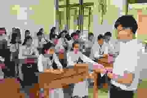 Phú Yên, Bình Định cho học sinh nghỉ học từ hôm nay để tránh bão số 12