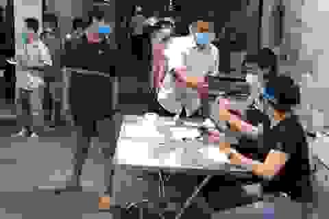 TP HCM: Buộc cách ly 3 người tiếp xúc với ca nghi nhiễm Covid-19