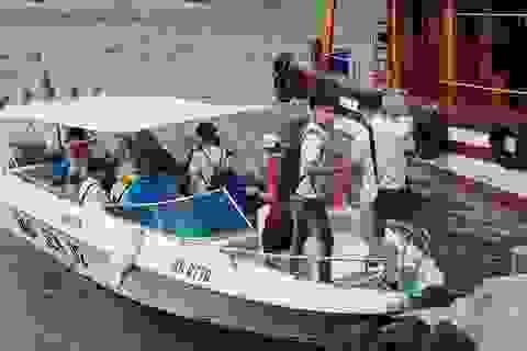 Tạm dừng hoạt động tàu du lịch trên Vịnh Nha Trang để tránh bão