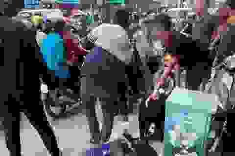 Hà Nội: Nam thanh niên mang dùi cui điện đi cướp tiệm vàng trên phố