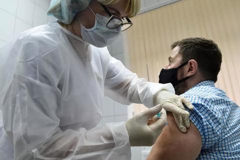 Nga nộp đơn hối thúc WHO phê duyệt nhanh vắc xin Covid-19