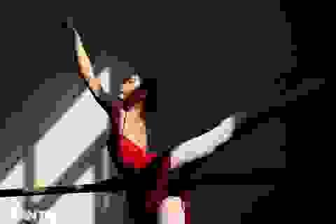 Ngất ngây vẻ đẹp của nữ sinh giành giải thưởng Tài năng múa dân gian