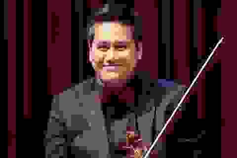Bùi Công Duy biểu diễn trong đêm nhạc kỷ niệm 250 năm ngày sinh Beethoven