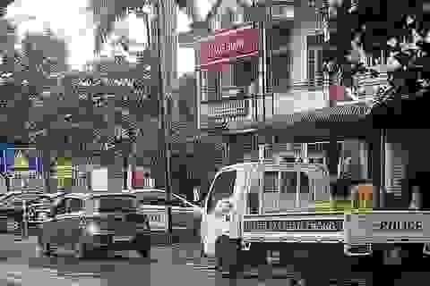 Truy bắt đối tượng cầm hung khí xông vào cướp ngân hàng