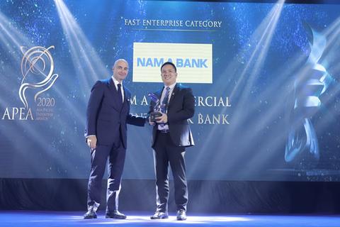 """Nam A Bank nhận """"mưa"""" giải thưởng tại Lễ trao giải APEA 2020"""