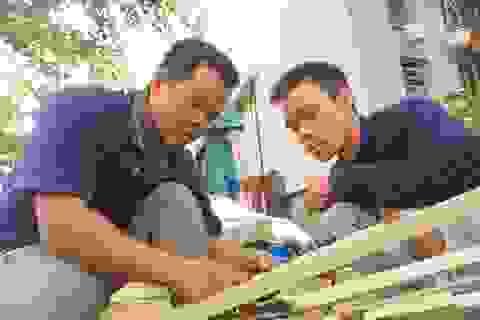 """Tình người Đà Nẵng: """"Nhà ai hỏng mái tôn do bão, tôi sửa miễn phí"""""""