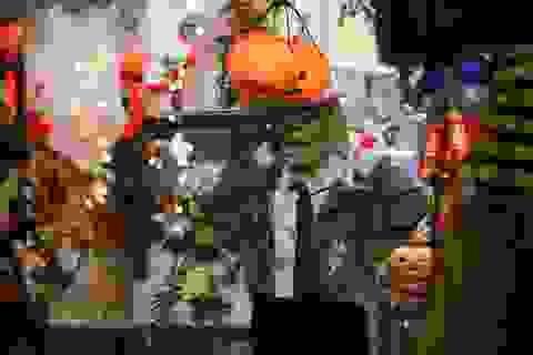 """Loạt """"ma quỷ"""" kinh dị tràn xuống phố hóa trang ở Hà Nội dịp Halloween"""