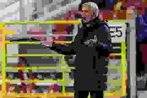 HLV Mourinho nói gì sau trận thua sốc của Tottenham?