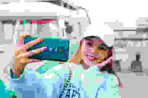 """Smartphone mới ồ ạt về Việt Nam, người dùng """"hoa mắt"""" lựa chọn"""