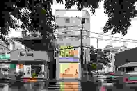Nhà kính 3 tầng với mặt tiền trong suốt ở Việt Nam được báo Mỹ khen hết lời