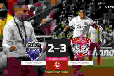 Văn Lâm và Muangthong thắng nghẹt thở đội bóng của thầy cũ
