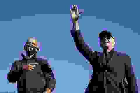 """Ông Obama lần đầu """"xuất trận"""" cùng Joe Biden tại bang chiến trường"""