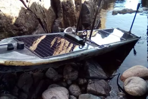 Bí ẩn con tàu điệp viên trôi dạt vào đảo Scotland