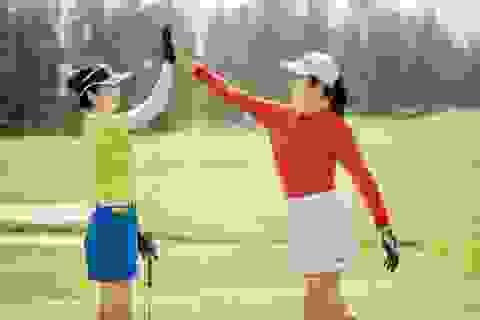 Hoa hậu Ngọc Hân, Jennifer Phạm thi đấu golf quyên góp ủng hộ miền Trung