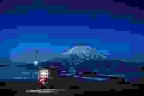 """Những chiếc máy bán hàng tự động """"cô đơn"""" ở Nhật Bản"""