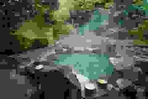 Vì sao người Nhật thích tắm ở suối khoáng nóng?