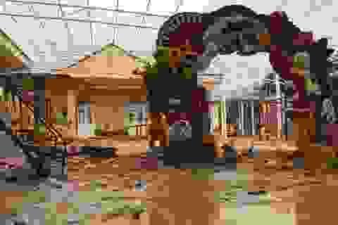 Quảng Trị: Lũ đi qua, trường học miền núi vẫn ngổn ngang bùn đất
