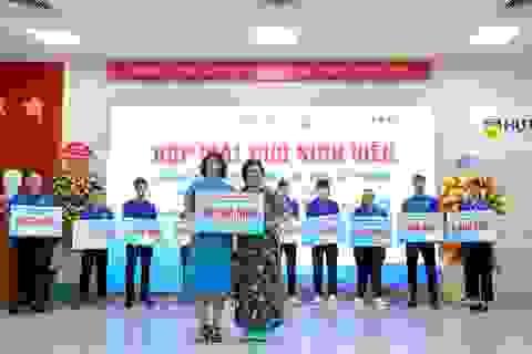 Hội Cựu sinh viên HUTECH quyên góp hơn 250 triệu đồng thiện nguyện trong ngày ra mắt