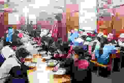 Lào Cai: Siết chặt quản lý các bếp ăn tập thể trường học