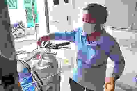 TPHCM: Công nhân nín thở chờ... thưởng Tết