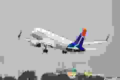 Khách nước ngoài la hét có bom khi máy bay chuẩn bị rời Nội Bài