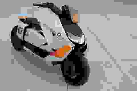 BMW CE04 - Cái nhìn mới về xe máy điện